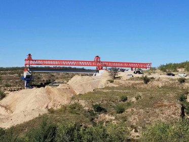 QJ30米120吨公路架桥机